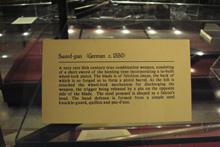 historische Waffentechnik Schwert mit Trommelrevolver - Sword Gun