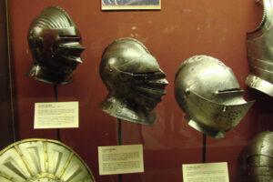 Ritterhelme Waffenkammer Malta Ordensritter